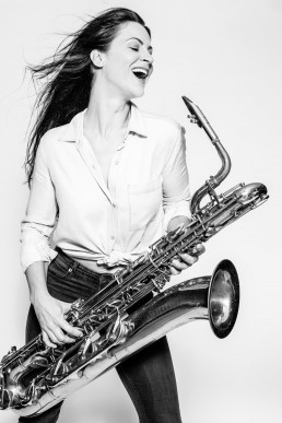 Beauty-Shooting - Model mit Baritonsax | seen by streb